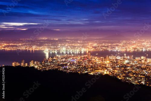 Foto op Aluminium Nacht snelweg George Town city view from Penang Hill