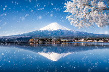 Berg Fuji In Japan Im Winter Am See Kawaguchiko