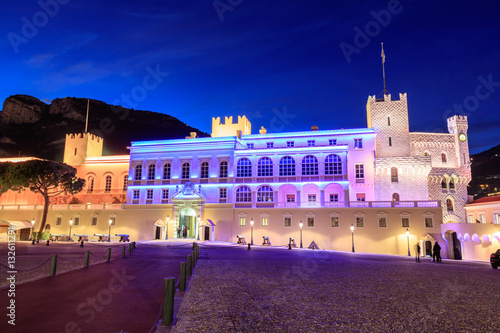 Foto auf Leinwand Schloss Beautiful night building of Prince's Palace in Monaco-ville.
