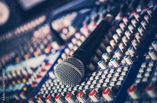 Fotografía  Microphone and Audio Mixer
