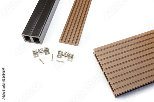 Photographie  Brown composite decking board with mounting material