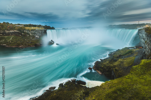 Fotografering Niagara Falls panoramic view, long exposure