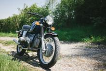 Altes Motorrad Oldtimer In Den Schweizer Alpen