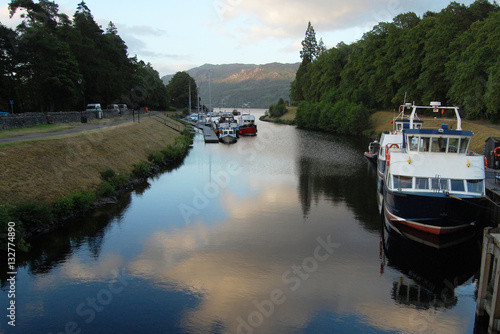 Fotografie, Obraz  Boats on Caledonian canal in Fort Augustus