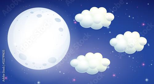 Zdjęcie XXL Scena z pełni księżyca i chmurami