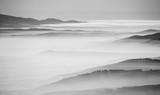 Czarno-biały krajobraz - 132833211