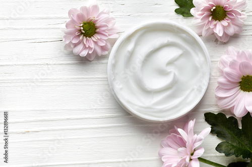 White cosmetic cream Fototapet
