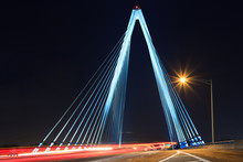 Kit Bond Bridge With Traffic