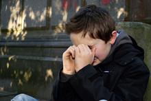 Adolescent Enfant Triste Pleure Extérieur