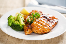 Grilled Chicken With Broccoli,potatoand Parsley