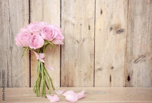 Plakat Kartka z pozdrowieniami - różowy bukiet róż