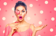 Valentine's Day. Beauty Surprised Young Fashion Model Girl With Valentine Heart Shaped Cookie