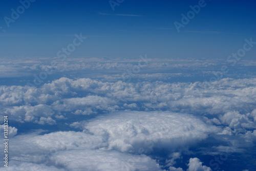 Fotografie, Obraz  Vue aérienne de nuages blancs sous un beau ciel bleu