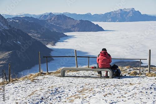 Foto op Aluminium Arctica Nebelmeer über der Gegend des Vierwaldstättersees, aus der Sicht des Fronalpstocks, Schwyz, Schweiz