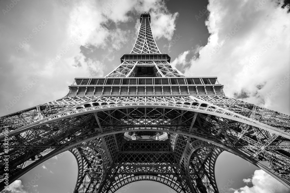 the eiffel tower paris france poster affiche acheter le sur. Black Bedroom Furniture Sets. Home Design Ideas