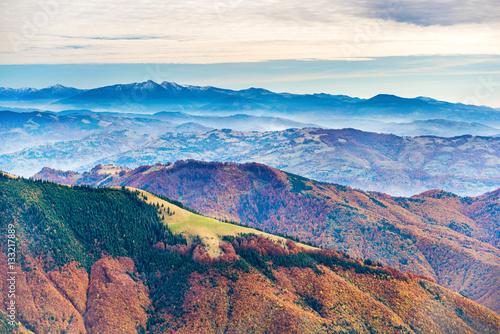 Foto op Aluminium Heuvel Landscape with colorful mountain ranges