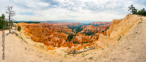Poster de jardin Canyon Bryce Canyon landscape from the top of mountain