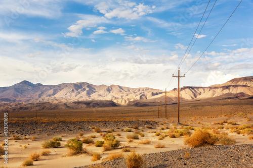 Poster de jardin Desert de sable Power line in desert at Death Valley