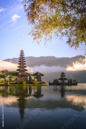 Tuinposter Bali View of mountain, lake and a temple in Bali Indonesia
