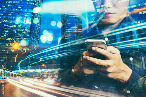 Fotomural  Double exposure of businessman using the Smart phone