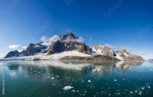 Door stickers Pole Arctic landscape in Svalbard, Spitsbergen