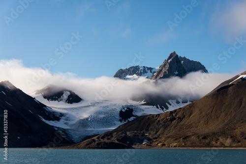 Foto auf Leinwand Pole Arctic landscape in Svalbard, Spitsbergen