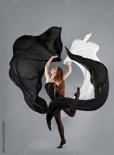 Plakat  beautiful young girl dancing