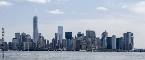 Photo  Panorama fo New York City skyline with Freedom Tower and sailboats seen from Hud