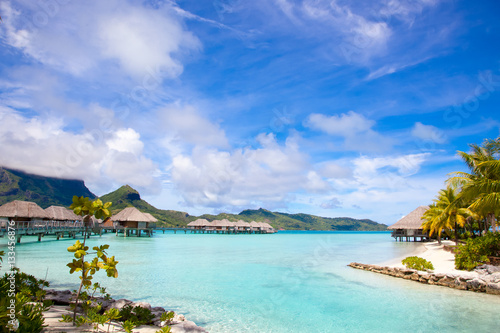 Carta da parati Beautiful beach on Bora Bora island in French Polynesia