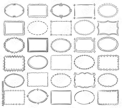 Photo Hand drawn doodle round and square vector picture border frames