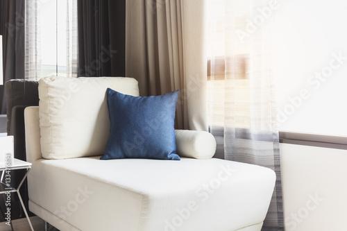 Sofa Seat With Pillows Modern Home Interior Decoration Kaufen Sie Unique Modern Home Interior Decoration