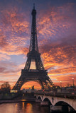 Fototapeta Wieża Eiffla - The Eiffel tower at sunrise in Paris