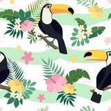 Wektorowy bezszwowy tropikalny wzór. Liście palmowe, hibiskus, tukany, egzotyczne kwiaty. Bardzo jasne kolorowe tło kreskówka (tapeta, tkanina) - 133560256