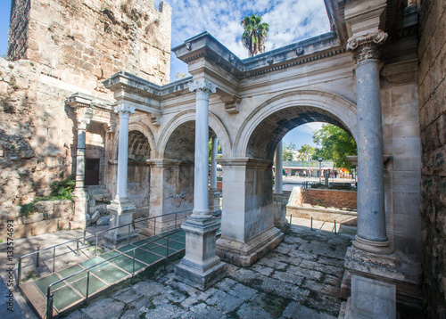 Obraz na plátne Hadrian's Gate in old city of Antalya