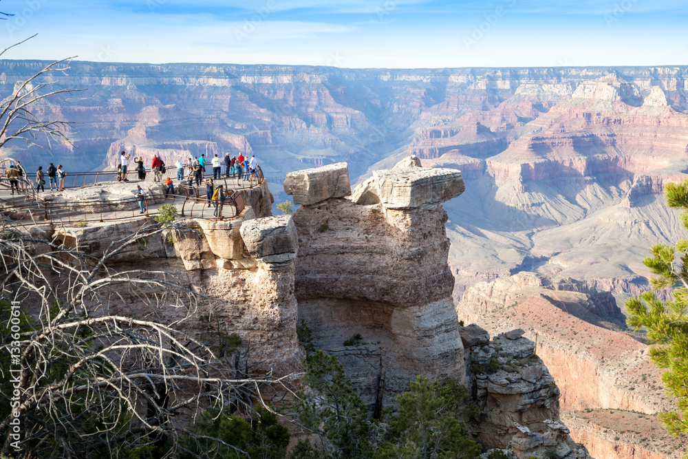 Grand Canyon, South Rim, crowd of tourists