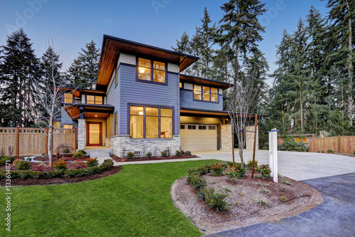 Valokuva  Luxurious new construction home in Bellevue, WA