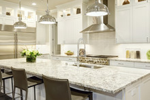 White Kitchen Design In New Lu...