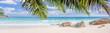 Leinwandbild Motiv panorama de plage paradisiaque des Seychelles sous les cocotiers