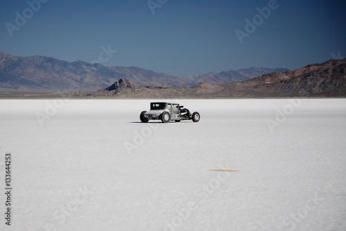 Obraz na płótnie rat rod on bonneville salt flats desert utah
