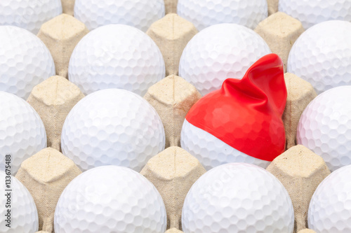 white-golf-balls-in-the-box-for
