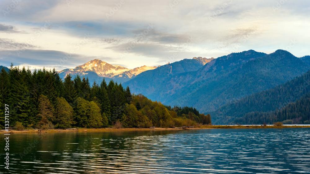 Fototapety, obrazy: Baker Lake in Washington with Mount Blum rising in setting sunlight