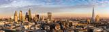 Fototapeta London - Sonnenuntergang hinter der neuen Skyline von London