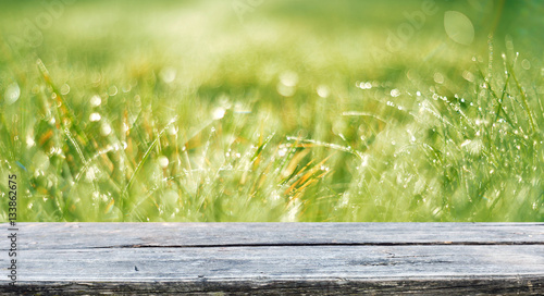 Foto auf Gartenposter Wald empty table