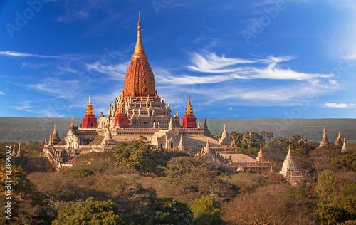 Photo Ananda temple in Bagan, Myanmar.