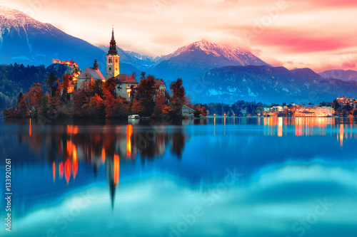 Photo sur Aluminium Lac / Etang Night scene of Bled lake in Slovenia, famous and popular travel destination for romantic couple in love. Artistic toning landscape.