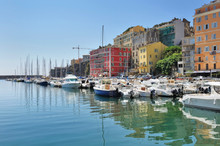 Ville Aux Façades Colorées Etport De Plaisance,  - Bastia, Corse
