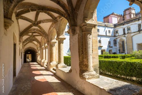 sredniowieczny-zamek-templariuszy-w-tomar