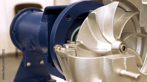 Fotografía Rotor turbine circular electric pump for water or other liquid