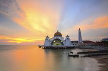 Malacca Straits Mosque, Malays...