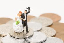 新婚夫婦とお金